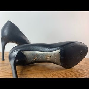 Dolce & Gabbana Shoes - Dolce and Gabbana classic black heels 37 1/2